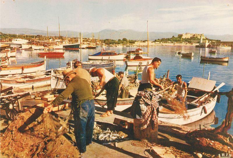 Pêcheurs et pointus à Antibes